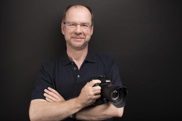 Ulf Wiechmann ist freier Fotograf in Hamburg mit den Schwerpunkten Urbanität/Architektur, Natur/Landschaft, experimentelle Fotografie und Unternehmensfotografie (Corporate).